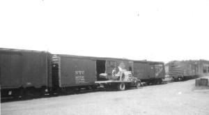 cm Scott Co Loading Fertiilizer Sept 1950